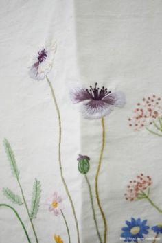 김소진님의 자수블로그 Hand Embroidery Projects, Needle And Thread, Beautiful Hands, Hand Stitching, Sewing, Stitches, Felt, Romanticism, Dress