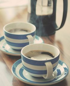 coffee in blue and white cups