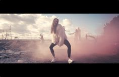 MØ - Don't wanna dance video clip All White Shoes, Dance Videos, Music Love, Video Clip, Concert, Inspirational, Concerts
