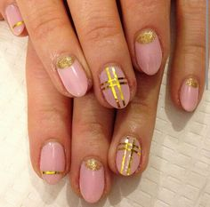 Gold accent nails #manicure #nail_art