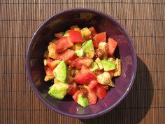 Sałatka z piersi z kurczaka, awokado i pomidorów - Odżywiaj się zdrowo