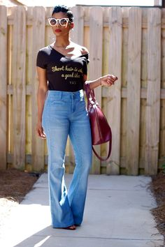 These jeans ❤️ Flare Jeans Outfit, Casual Chic, Casual Wear, Style Outfits, Casual Outfits, Fashion Outfits, I Love Fashion, Autumn Fashion, Weekend Wear