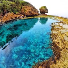 Magpupungko Tidal Flats- Siargao, Philippines --- Photo by @rapzkiegeson --- #Siargao #Philippines