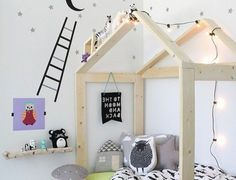 ▷ 1001 + ideas for creating a Montessori room White Wall Paint, White Walls, White Kids Room, Montessori Bedroom, Baby Room Design, Baby Bedroom, Boy Room, Room Inspiration, Toddler Bed
