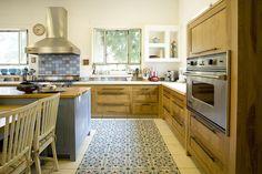 Extra Ordinary Kitchen tiles by Ruhama Sharon רוחמה שרון. אריחי מטבח בלתי רגילים