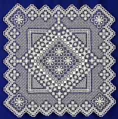 Filet lace Crochet Curtains, Hardanger Embroidery, Lacemaking, Needle Lace, Filets, Bargello, Filet Crochet, Crochet Clothes, Tatting
