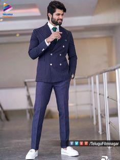 Actor Handsome Looks at Wedding Dresses Men Indian, Wedding Dress Men, Wedding Men, Blazer Outfits Men, Casual Fall Outfits, Velvet Blazer Mens, Blazer For Men Wedding, Allu Arjun Hairstyle, Telugu Hero
