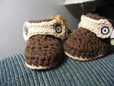 *Free Crochet Pattern: ASSORTED BABY BOOTS by Barbara Bazzocchi