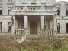 Abandoned mansion, Mierzewo, Poland.