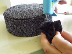 Liz Makes: Liz makes a pillbox hat