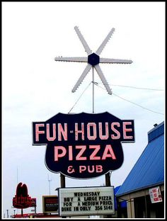 Fun-House Pizza- Raytown, MO I use to listen to the organist and ride the kiddie horse in the Retro Advertising, Advertising Signs, Kansas City Restaurants, Vintage Neon Signs, Kansas City Missouri, Roadside Attractions, Hotels, Old Signs, Happy Fun