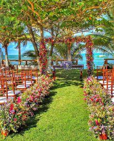 Wedding Places, Wedding Locations, Wedding Venues, Wedding Backdrop Design, Wedding Ceremony Flowers, Garden Wedding Decorations, Marie, Wedding Planning, Dream Wedding
