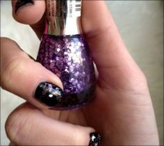 http://www.pyramideauxbijoux.com/maquillage/vernis-a-ongles/vernis-a-ongles-grosses-paillettes-6.html