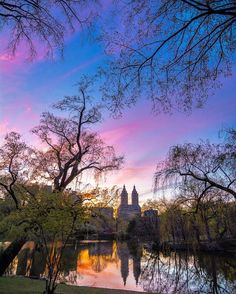 Sunset at the Lake in Central Park. <3