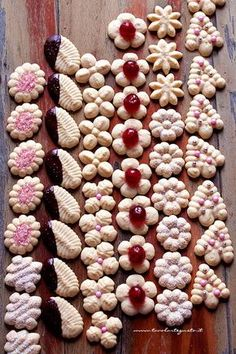 Palm trees with pistachios - HQ Recipes Biscotti Cookies, Spritz Cookies, Xmas Cookies, Almond Cookies, Chocolate Cookies, Cake Cookies, Italian Cookie Recipes, Italian Cookies, Italian Desserts