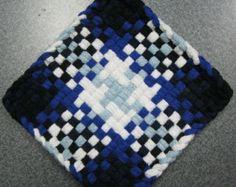 Potholder Loom, Potholder Patterns, Pin Weaving, Loom Weaving, Loom Craft, Crafts For Seniors, Weaving Patterns, Hot Pads, Loom Knitting