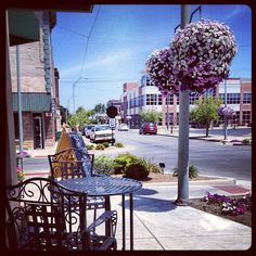 There are over 300 gorgeous hanging flower baskets throughout downtown #kokomo #indiana.