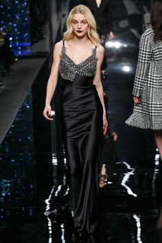 Ermanno Scervino Fall 2015 Ready-to-Wear Fashion Show Collection: See the complete Ermanno Scervino Fall 2015 Ready-to-Wear collection. Look 14 Vogue Fashion, Runway Fashion, Fashion 2015, Milan Fashion, High Fashion, Valentino, Strappy Maxi Dress, Spring Couture, Milano Fashion Week