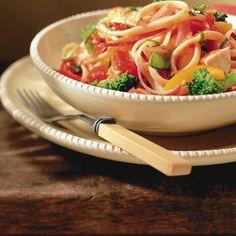 Linguine Primavera Ricardo Recipe, Pasta Primavera, Spaghetti, Thai Red Curry, Broccoli, Ethnic Recipes, Dinner Ideas, Pizza, Food