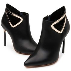 Shoespie Plain Black Metal Pointed Toe Ankle Boots