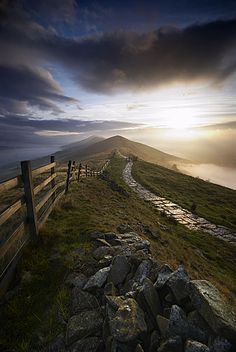 Absolutely beautiful path in Ireland. Beautiful World, Beautiful Places, Wow Art, All Nature, Belle Photo, Beautiful Landscapes, Pathways, The Great Outdoors, Wonders Of The World