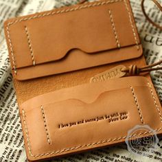 Personalized messages on leather wallet.leather wallet with personal inscription Leather Art, Sewing Leather, Leather Design, Leather Tooling, Leather Purses, Leather Handbags, Leather Wallets, Leather Wallet Pattern, Handmade Leather Wallet