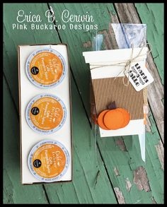 Pumpkin Spice K Cups, Mini Coffee Cups, K Cup Holders, Pink Pumpkins, Halloween Projects, Diy Projects, 3d Paper Crafts, Simple Cross Stitch, Label Paper