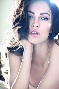 Megan Fox for Giorgio Armani. {Don't like Megan Fox, but the lighting is really nice.}