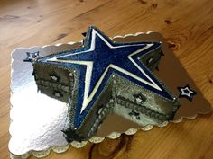 Dallas Cowboys cake - I think we will be doing a cake ourselves Dallas Cowboys Kuchen, Dallas Cowboys Birthday Cake, Cowboy Birthday Cakes, Dallas Cowboys Party, Cowboy Cakes, Football Birthday, 8th Birthday, Birthday Ideas, Cowboy Groom