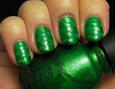 circles, nail, clovers, saint patricks day, china glaze, four leaf clover, manicur, stripe, green day
