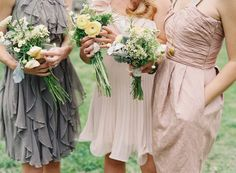 a gorgeous mix and match of flowers and color  Photography by jessicalorren.com