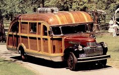 Magnifique camping-car en bois !