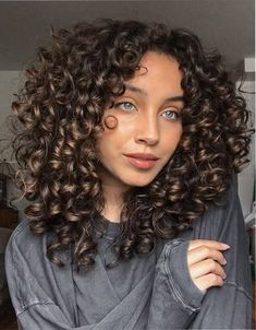 Haircuts For Curly Hair, Curly Hair Tips, Curly Hair Care, Curly Hair Styles, Natural Hair Styles, Cut My Hair, Hair Cuts, Shoulder Length Curly Hair, Hair Reference