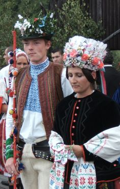 Folk Costume, Costumes, Polish Wedding, Eastern Europe, Culture, Handkerchiefs, Traditional, Popular, Roots