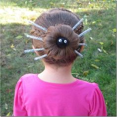 Such a perfect spider bun hairstyle!! I love this one for my girls this Halloween.
