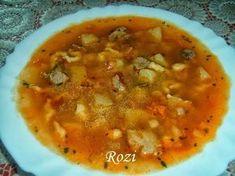 Rozi erdélyi,székely konyhája: Erdélyi gulyásleves Croatian Recipes, Hungarian Recipes, Hungarian Food, Goulash, Cheeseburger Chowder, Stew, Beans, Cooking Recipes, Vegetables