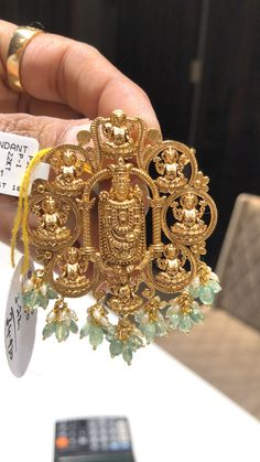 PREMRAJ SHANTILAL JAIN JEWELLERS You are in the right place about Women Jewelry gold Here we offer you the most beautiful pictures about the Women Jewelry trends you are looking for. When you examine Gold Earrings Designs, Gold Jewellery Design, Antique Jewellery, Gold Pendent, Gold Jewelry Simple, Pendant Design, Jewelry Patterns, Pendant Jewelry, Jewelry Necklaces