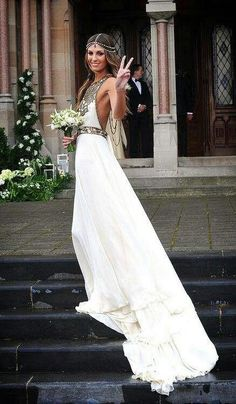 Omg! Bohemian wedding dress! I couldn't pull this off but I love it: