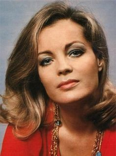 Romy in den Siebzigern Romy Schneider, Hollywood Stars, Classic Hollywood, Old Hollywood, Alain Delon, Sophie Marceau, Actrices Hollywood, French Actress, Leather