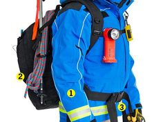 How a Search and Rescue Responder Gears Up looks like hes going up a mountain Edc, Firefighter Tools, Emergency Response Team, Survival Gear, Survival Hacks, Wilderness Survival, Rappelling, Emergency Preparedness, Emergency Preparation
