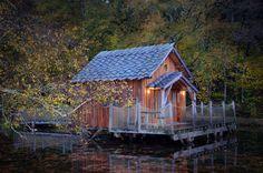 Moulin de La Jarousse en Dordogne. http://www.les-cabanes.com/louer-cabane-arbre-yourte-roulotte-insolite-24-dordogne.html