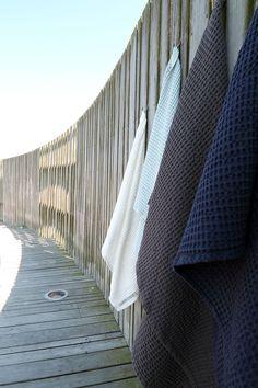 Big Waffle Handtücher aus Bio-Baumwolle- TOC in grau, weiß blau, hellblau | Gefunden auf #KONTOR1710