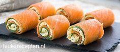 Zalmrolletjes met komkommer recept - Hapjes - Eten Gerechten - Recepten Vandaag