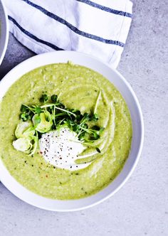 Don't think comfort food can be healthy and delicious? Ahead are four crazy-delicious low-carb soup recipes to make now that it's officially autumn.