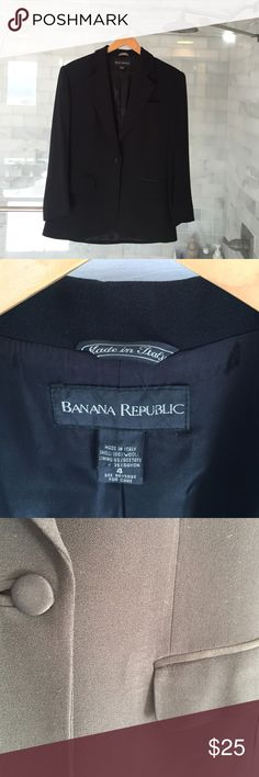 Black Tuxedo jacket This is a black Banana Republic tuxedo jacket. Size 4. It is in good condition with some signs of wear. Banana Republic Jackets & Coats Blazers