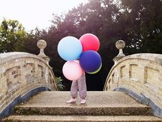 Katrina Tang Photography for Start Rite shoes SS 13 campaign. Kid with balloons, outdoors #katrinatang #tangkatrina