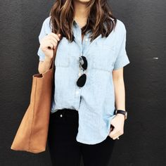 """Stitch Fix stylist: short sleeved chambray shirt """"My new favorite chambray . Fitted yet flowy and the perfect shade of blue. Wearing an xxs Looks Street Style, Looks Style, Mom Style, Look Fashion, Womens Fashion, Fashion Trends, Fashion 2018, Petite Fashion, Street Fashion"""