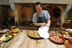 Throw a Paella Party! — San Jose Mercury News