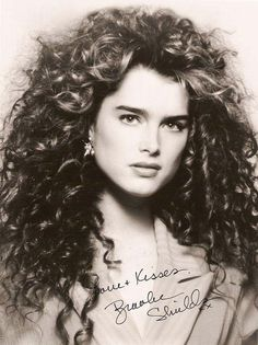 Beautiful Brooke Shields: shared by SOph on We Heart It Brooke Shields Young, Vaquera Sexy, New Retro Wave, Thick Eyebrows, Actrices Hollywood, Portraits, Pretty Baby, Beautiful Actresses, Divas