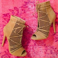 Steve Madden Perforated Lace up Booties Maddye